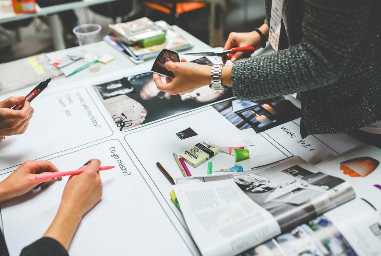 Création d'un catalogue papier, agence de communication