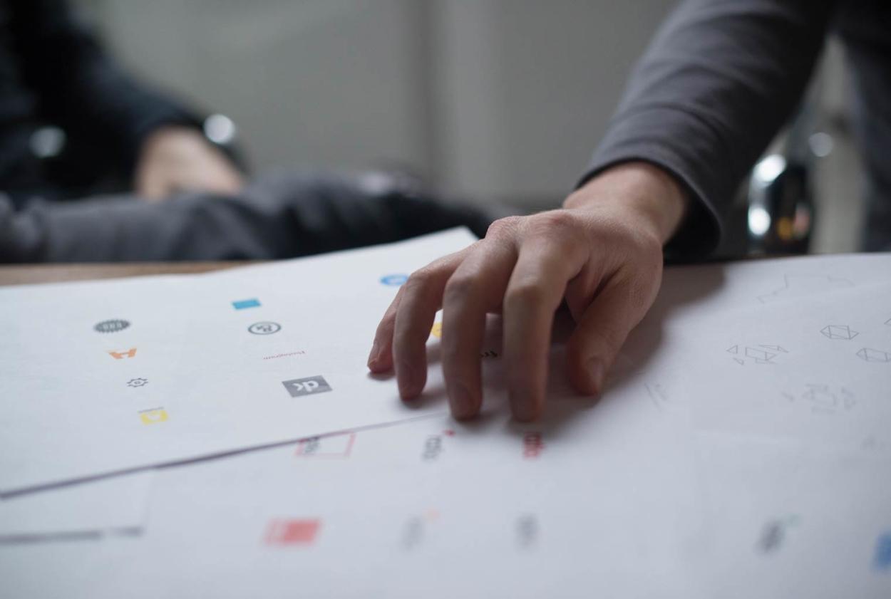 création de logo sur mesure, charte graphique entreprise