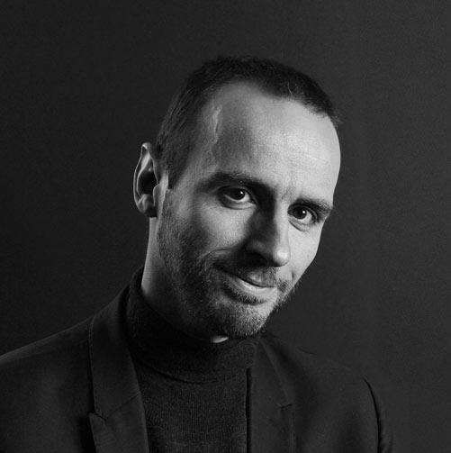 Pierre Alexis - Stratégie éditoriale